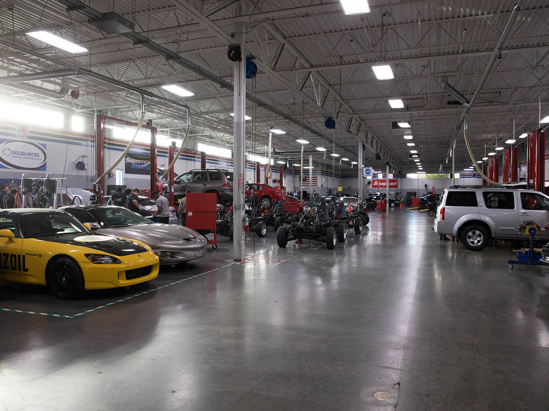 Wide Shot of the Power and Performance Lab at Sacramento campus